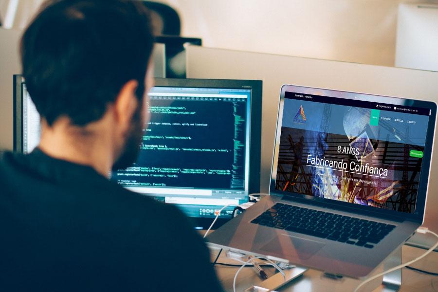 Desenvolvimento Site Metaluz